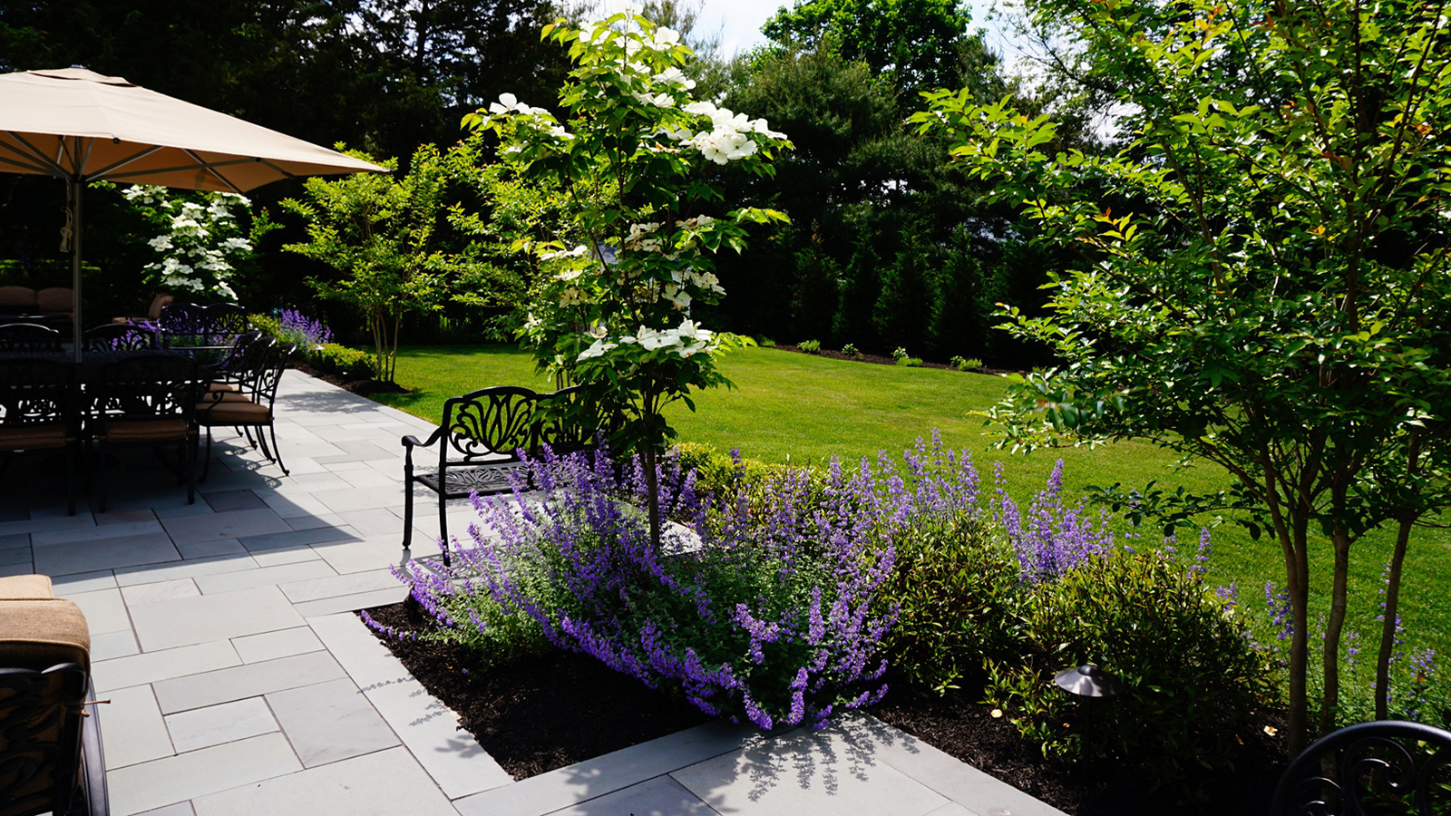 lush-gardens-sea-girt-nj-brick-by-brick-pavers-and-landscaping-2